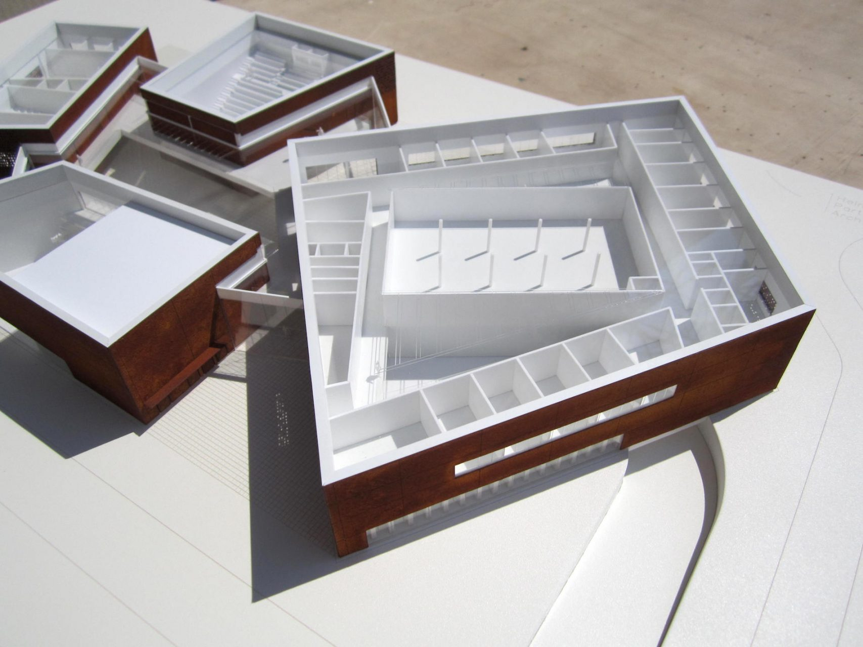 onimo_architectural_models_HWP_NEWTON_200_05
